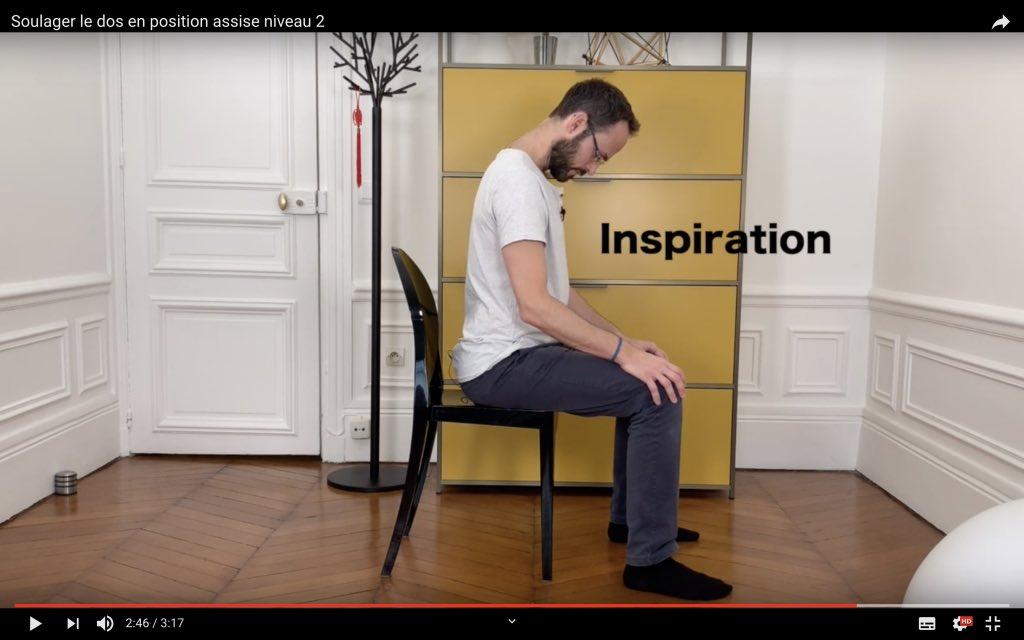 Calmer le dos en position assise