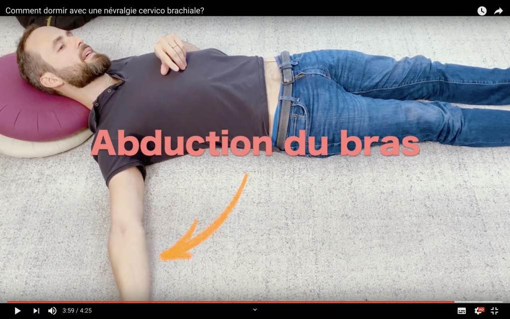 Comment dormir sur le dos avec une NCB gauche